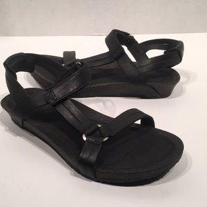 Teva Ysidro Leather Cork Sandals